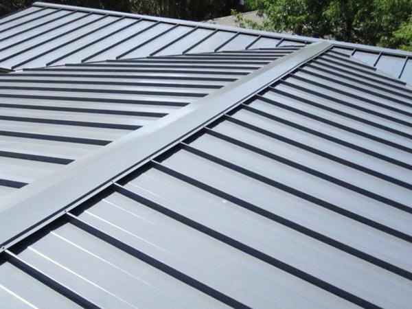 rifacimento tetto con lamiera pannello coibentato